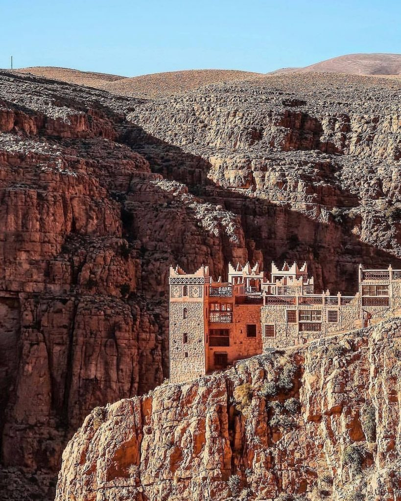 Boumalene-Dades-an-appealing-little-town-in-the-Tinghir-province-located-in-southe