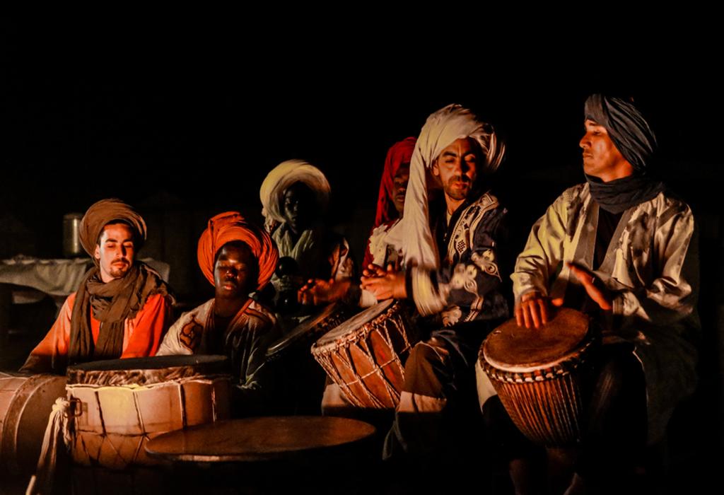 music-camping- morocco-desert