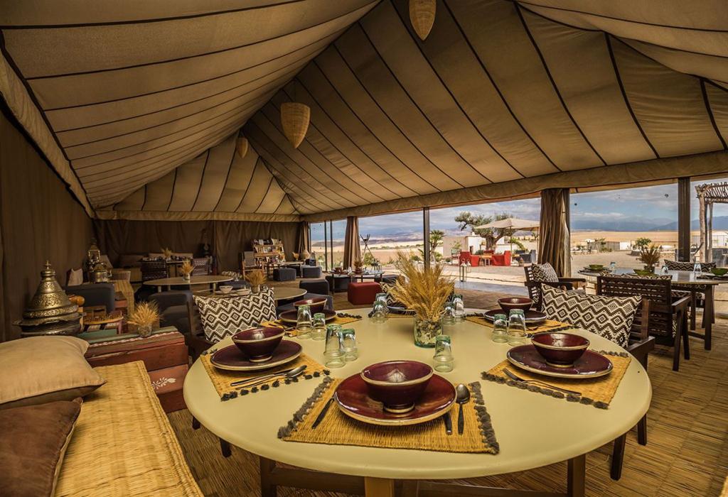 restaurant-dans-le-desert-marocain-terre-des-etoiles-5-1